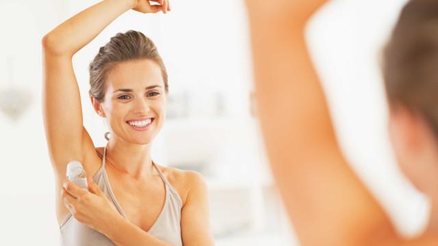Aprenda a fazer o próprio desodorante em casa (bastam 4 ingredientes)