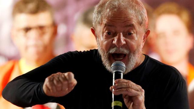 Lula aguarda STF e já faz plano de caravanas pelo país