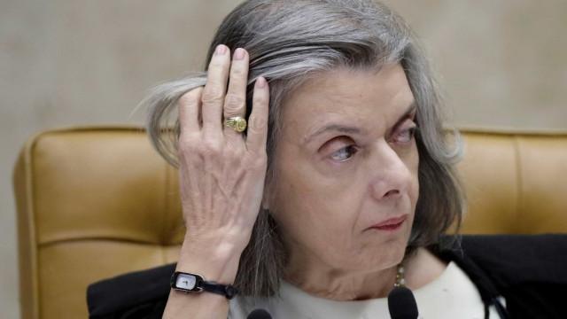 Cármen Lúcia deixa pedido de liberdade de Lula fora da pauta de agosto