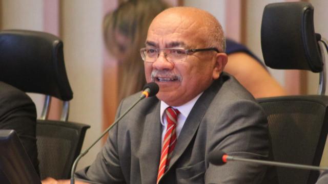 Deputado do PT é alvo de trote sobre prisão de Lula