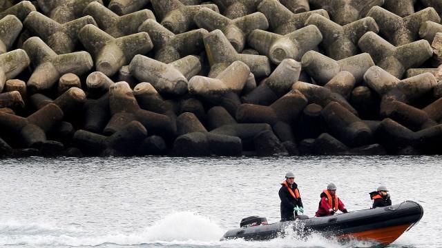 Barco de turismo vira na Índia e mata  ao menos 11 pessoas