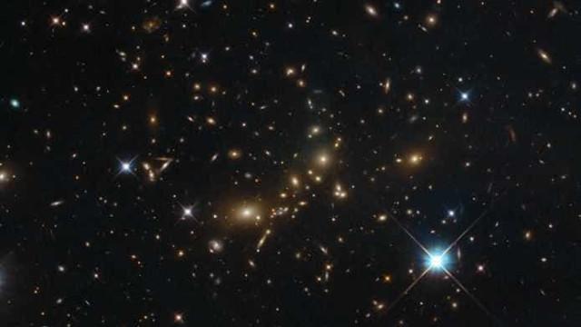 Hubble captura um dos maiores objetos celestes no Universo