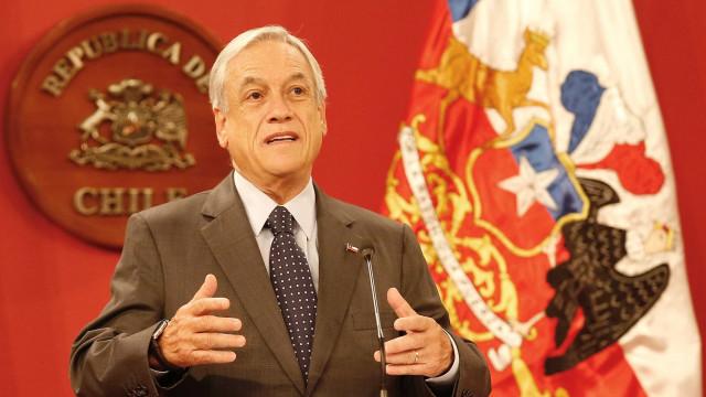 Chile inicia processo para mudar Constituição