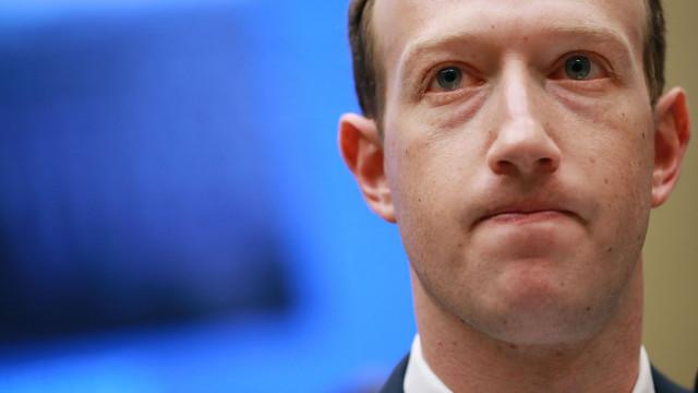 Inédito: Facebook revela o que é proibido postar na rede social