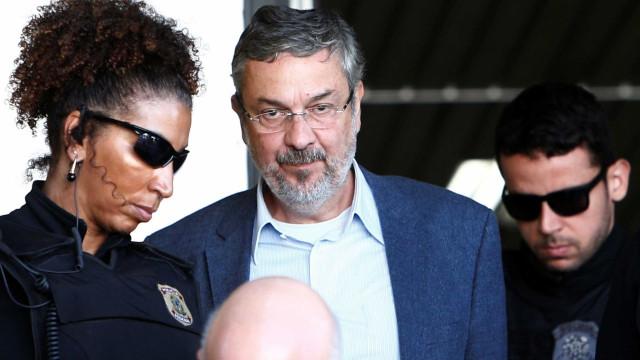 Justiça estipula multa de US$ 10 milhões para Antonio Palocci