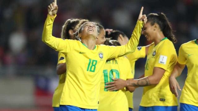 Seleção feminina vence e é líder do quadrangular final da Copa América