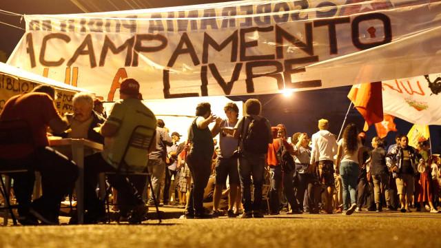 Acampamento pró-Lula fica a menos de 1 km da PF em Curitiba