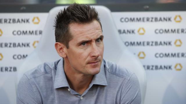 Maior artilheiro de copas, Klose assume cargo de técnico