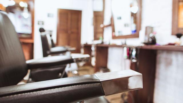Homem atira em barbeiro por causa do corte de cabelo do filho