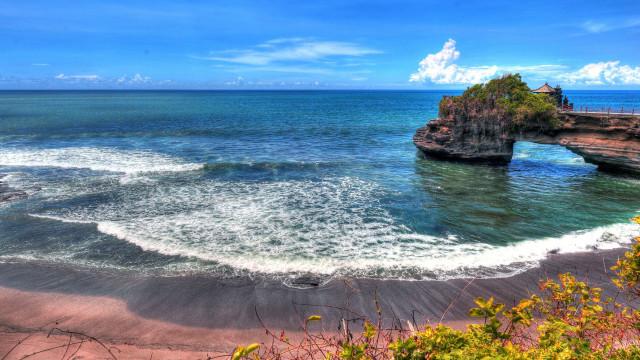 Jovem de 12 anos rouba cartão de crédito dos pais e foge para Bali