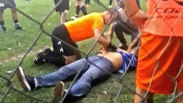 Treinador argentino sofre ataque cardíaco e é salvo por juiz