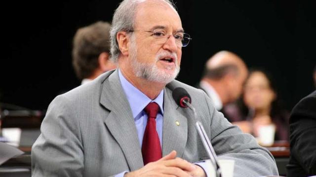 Ex-governador Eduardo Azeredo é solto em MG