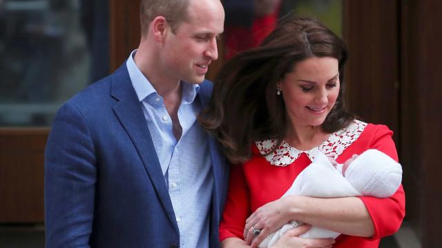 Família Real divulga fotos de Louis, 3º filho de William e Kate