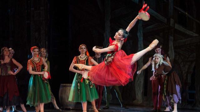 Bailarina brasileira é indicada para 'Oscar' do balé na Rússia