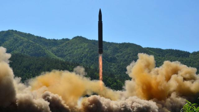 Montanha usada em testes da Coreia do Norte entrou em colapso
