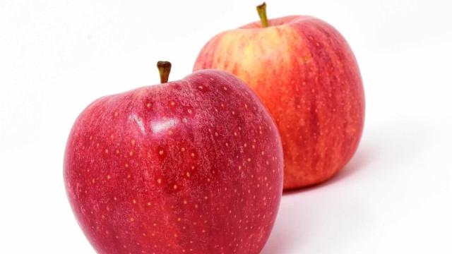 Mulher é multada em R$ 1,7 mil por entrar com maçã em aeroporto nos EUA