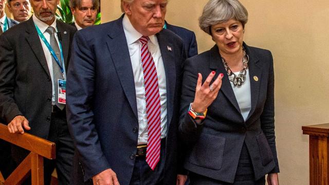 """Trump ataca May e embaixador que chamou seu governo de """"disfuncional"""""""