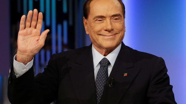 Berlusconi é alvo de novo inquérito por corrupção