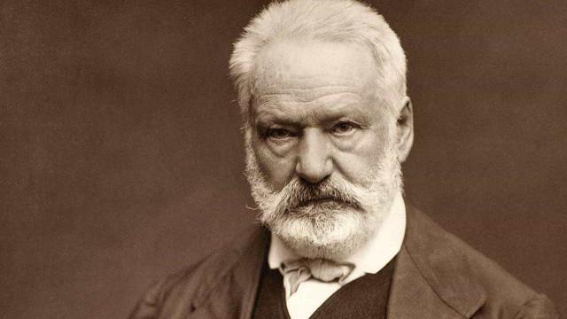 Livro de Victor Hugo reúne transcrições de sessões espíritas