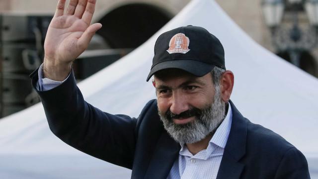 Armênia anuncia acordo para encerrar guerra com o Azerbaijão