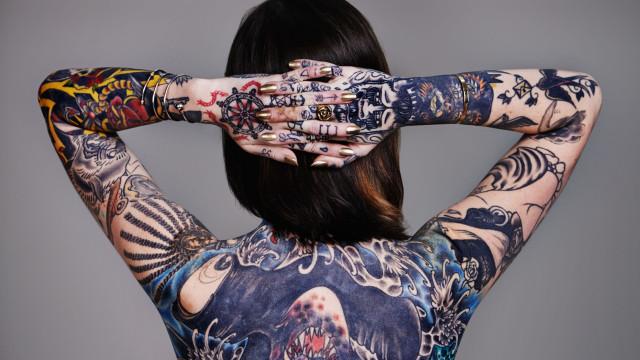 O vício em tatuagens é real? Especialista responde