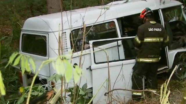 Casal de avós morre e 4 crianças ficam feridas em acidente de trânsito