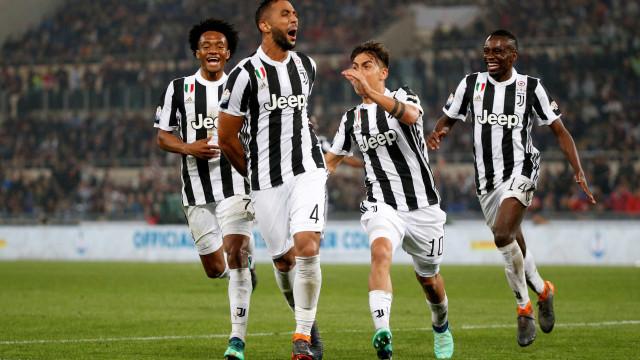 Juventus massacra Milan e conquista Copa da Itália