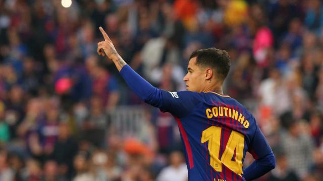 Com gols brasileiros, Barcelona atropela Villarreal pelo Espanhol