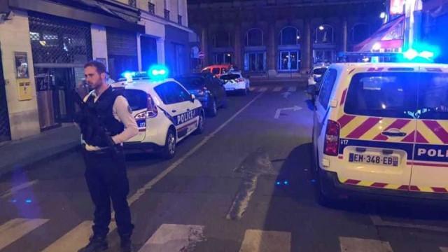 Agressor de Paris teria gritado 'Alá é grande'