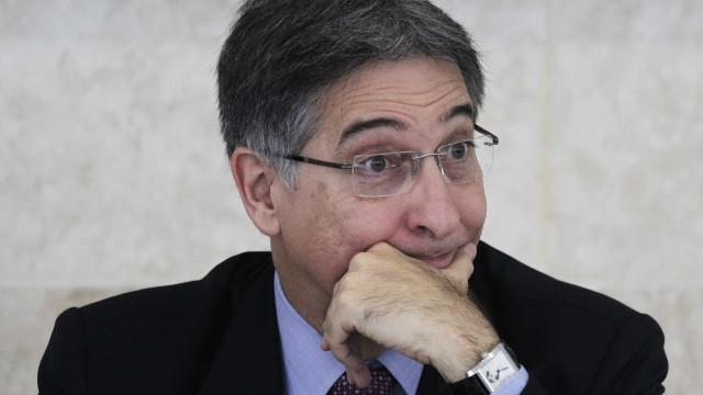 Justiça Eleitoral condena Fernando Pimentel a 10 anos de prisão