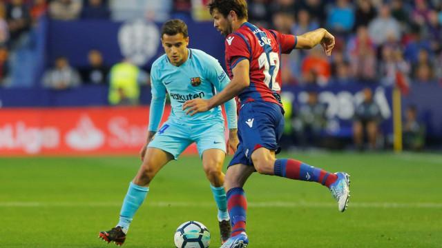 Com show de Boateng, Levante acaba com invencibilidade do Barcelona