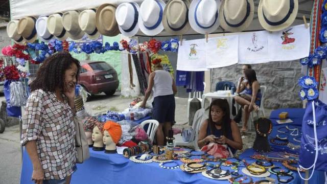 Feira das Yabás celebra 10 anos e homenageia Ivone Lara e Marielle