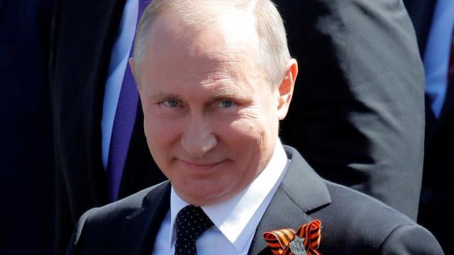 Rússia interferiu e ajudou eleição de Trump, diz novo estudo