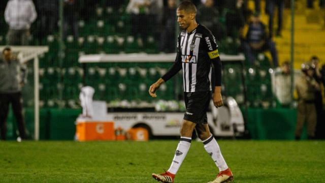 Em apenas uma competição, Atlético-MG quer contratar reforços