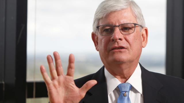 Janot elogia voto de Barroso pela decisão sobre Lula: 'Grande ministro'
