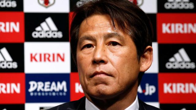 Técnico japonês divulga lista com 27 nomes para amistoso pré-Copa