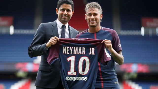 Diretor do PSG diz que Neymar decidiu permanecer para próxima temporada