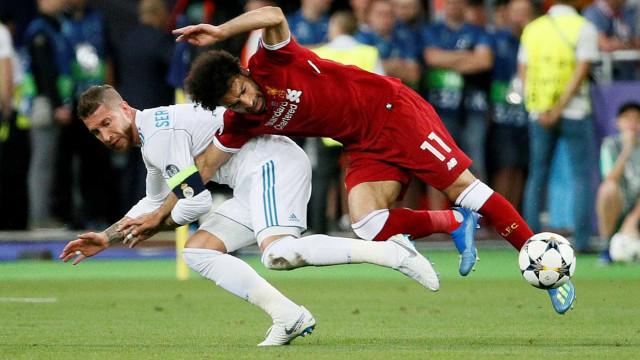 Ramos manda mensagem para Salah, mas imprensa egípcia critica zagueiro