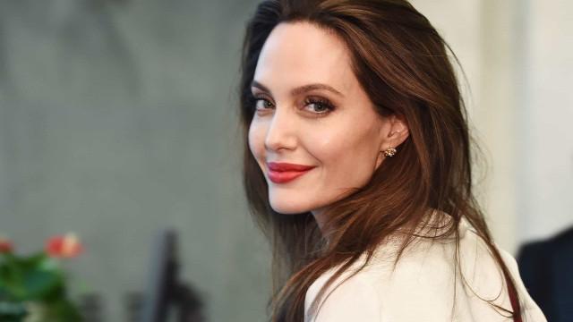 "Angelina Jolie: ""Nunca pensei que pudesse ser mãe de alguém"""