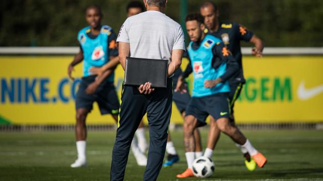 Tite esboça Brasil para amistoso com Neymar, Richarlison e Firmino,
