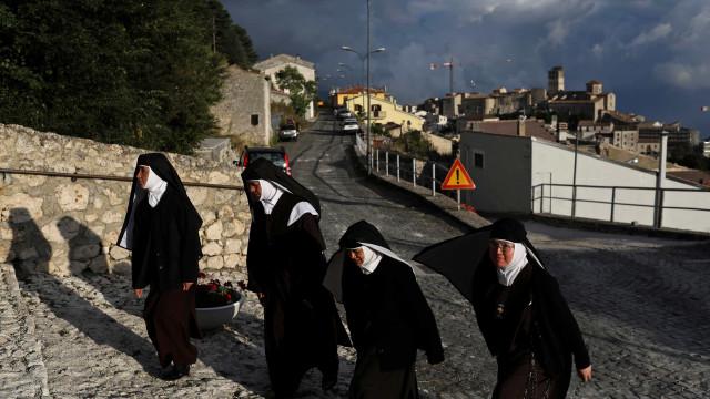 Superioras convidam freiras a denunciarem casos de abuso