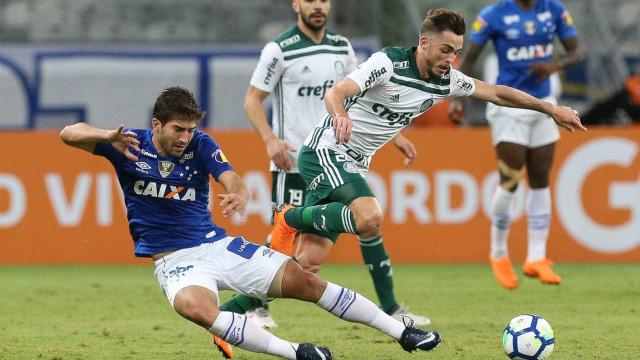 Palmeiras perde para o Cruzeiro e vai para o clássico pressionado