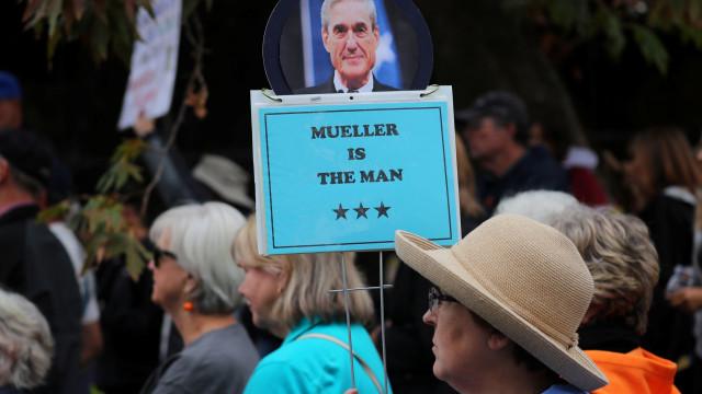 Trump insinua que Mueller 'vaza' documentos secretos para a imprensa
