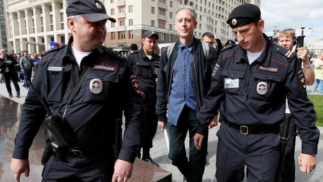 Ativista detido na Copa diz que a Rússia viola direitos humanos