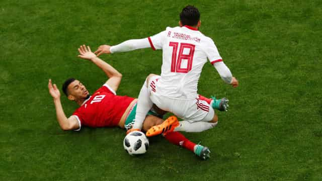 Em jogo violento, Irã vence o Marrocos com gol aos 49' do 2º tempo