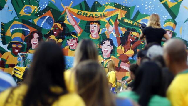 Empresas antecipam prazos e liberam home office para vencer a Copa