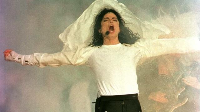 29 de agosto: aniversário do cantor Michael Jackson
