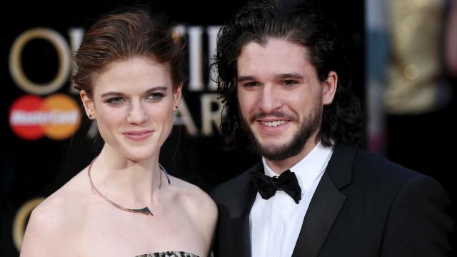 Jon Snow e Ygritte, de Game of Thrones, esperam primeiro filho