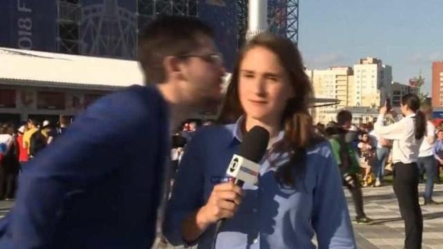 Deixem elas em paz! Jornalista da Globo é assediada na Rússia