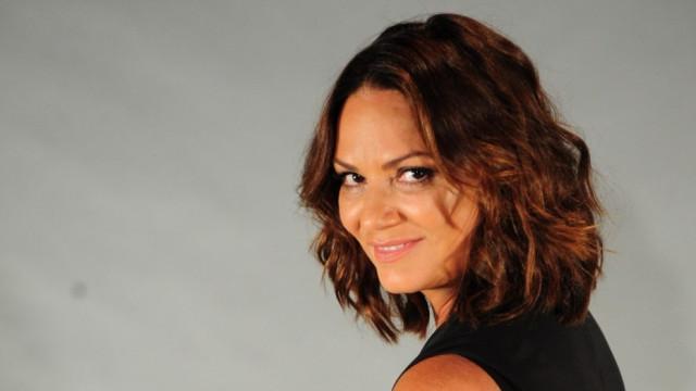 Luiza Brunet denuncia mensagens anônimas que recebe de madrugada